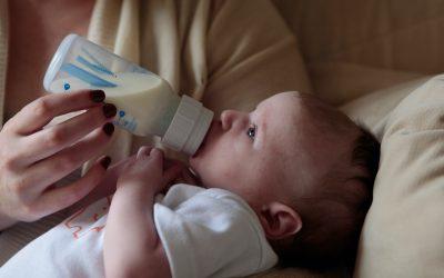 Lait infantile : 5 conseils pour bien nourrir son bébé
